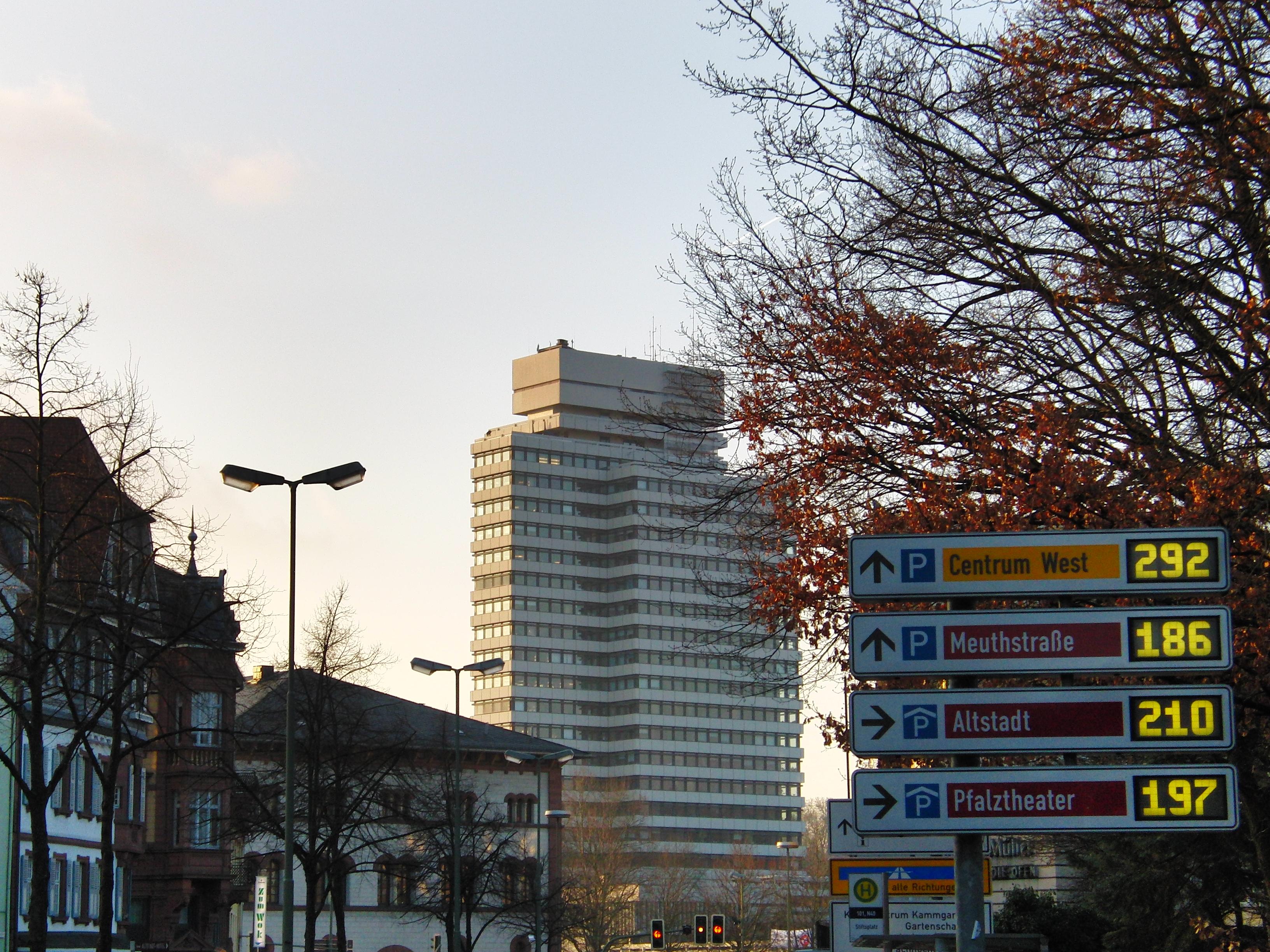 Kaiserslautern Neu Betrachtet