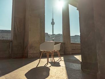 ZDF Sommerinterviews Trailer - Rotierende Stühle Hyperlapse